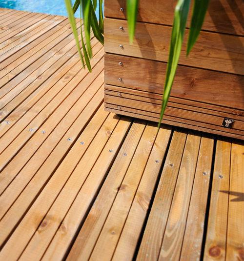 0500476 lame de plancher rainuree teinte marron jardipolys ambiance
